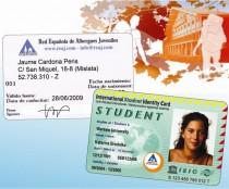 L'Oficina Jove de l'Anoia expedeix els carnets internacionals d'alberguista, estudiant i professor
